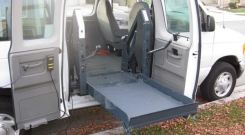 ford econoline 2007 wheelchair van