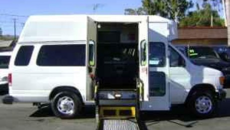 Ford E-Series Wheelchair Van Exterior Handicap Driving Features